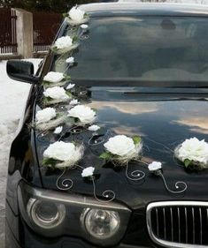 Wedding Car Decoration so elegant Wedding Limo Service, Wedding Gown Preservation, Bridal Car, Wedding Car Decorations, Wedding Transportation, Deco Nature, Affordable Wedding Venues, Wedding Locations, Wedding Entertainment