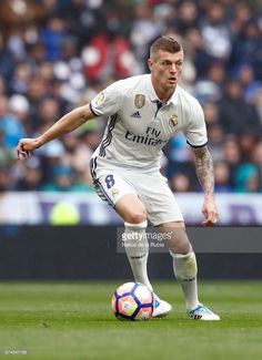 Toni Kroos of Real Madrid in action during the La Liga match between Real Madrid and Valencia CF at Estadio Santiago Bernabeu on April 29, 2017 in Madrid, Spain.