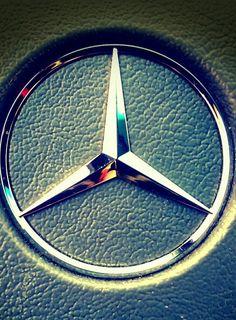 Mercedes-Benz - The True Star. Mercedes Benz Interior, Mercedes Benz C180, Mercedes World, Mercedes Benz Logo, Bmw Symbol, Mercedes Benz Wallpaper, Bmw Wallpapers, Mercedez Benz, Super Sport Cars