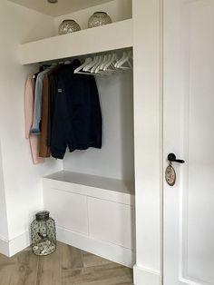 Luxury Interior Design, Modern Interior, Hallway Inspiration, Girl Closet, House Entrance, Industrial House, Grey Wood, New Homes, Storage