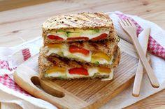 A TOMBER ce croque monsieur mozza avocat et poivron  - Diaporama 750 grammes