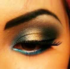 Beautiful metallic eyeshadow, looks like a modern day Princess Jasmine.