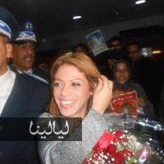 بالصور والفيديو: سكينة بوخريص نجمة ستار اكاديمي تصل إلى المغرب وتتفاجئ بجمهورها www.layalina.com