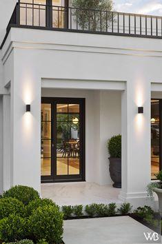 Classic House Exterior, Modern Exterior House Designs, Classic House Design, Dream House Exterior, Modern House Design, Exterior Design, House Outside Design, House Front Design, Modern House Facades