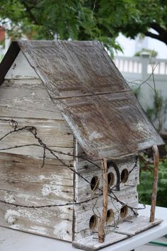RUSTIC Utah Item # Large rustic birdhouse with decorative tin roof, square, white by magdatunci Outdoor Projects, Outdoor Decor, Bird House Feeder, Wood Bird, Bird Boxes, Little Houses, Yard Art, Bird Feathers, Barn Wood
