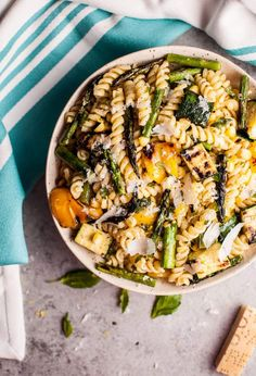 This grilled summer vegetable pasta salad is healthy and full of flavor! Zucchini, asparagus, corn, and yellow bell peppers are grilled to perfection and tossed with a fresh, lemony dressing. Easy to make and feeds a crowd! Healthy Grilling Recipes, Grilled Steak Recipes, Grilled Veggies, Vegetarian Recipes, Delicious Recipes, Grilled Peppers, Vegetable Pasta Salads, My Burger, Burgers