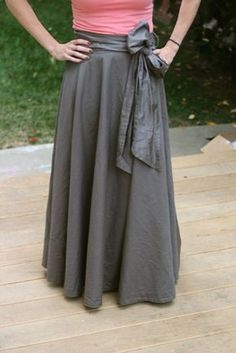 Make a Maxi Skirt from a Sheet | Mabey She Made It #upcycle #sewing #repurpose…