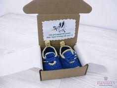 Pregnancy reveal To Grandparents Crochet baby shoes Grandparents to be Grandma gift New grandma Baby onesie Personalized baby New baby gift by Yunisiya on Etsy