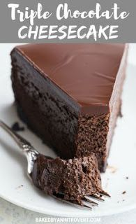 Triple Chocolate Cheesecake with an Oreo crust and a rich chocolate glaze is a decadent dessert that is ultra creamy and smooth. This Chocolate Cheesecake Recipe will be a hit with the chocolate lover in your life! Baked Cheesecake Recipe, Best Cheesecake, Cheesecake Desserts, Just Desserts, Dessert Recipes, Nutella Cheesecake, Plain Cheesecake, Health Desserts, Triple Chocolate Cheesecake