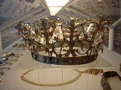 Bridal crown  found under the floor in a Jytlandian church. Presumably it is from 1525 and was worn by a wooden Idol of Mary