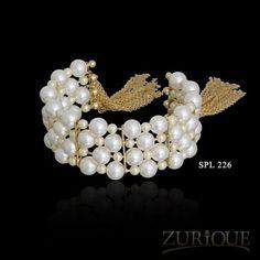 Esta linda pulseira só em www.mercadodejoias.com    @zurique_joias_e_folheados_    #semijoias #acessorios #Jewel #amei #brincos #itgirl #moda #tendencias #jewelry #today #amomuito #saopaulo #estilo #glamour #folheados #bruto #bijouterias #bijoux #altabijoux
