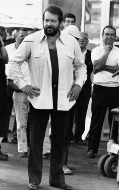 Italian actor Bud Spencer standing on the set of the film The Knock Out Cop Naples 1973 Retro Hits, Professional Swimmers, Mario, Terence Hill, Western Film, Star Wars, Best Actor, For Stars, Dream Team