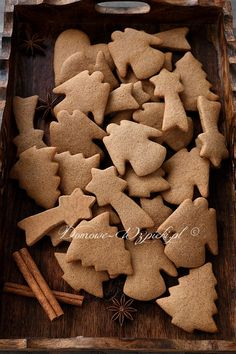 Christmas Snacks, Xmas Food, Christmas Cookies, Ginger Bread Cookies Recipe, Cookie Recipes, 1200 Calorie Plan, Macarons, Cannoli, Christmas Aesthetic