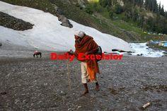 Amarnath Yatris heading towards holy cave via Chandanwari route on Saturday Daily Excelsior\Sajad Dar