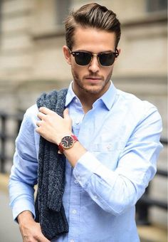Check Out Hipster Haircut For Men Usually it is a variation of an older haircut from the or a hairstyle borrowed from an ancient culture. Check out these 30 hipster haircut for men 2015 and hairstyles we've picked out for you. Hipster Haircuts For Men, Hipster Hairstyles, Men's Hairstyles, Business Hairstyles, Men Hipster, Hipster Watches, Italian Hairstyles, Corte Hipster, Hipster Style
