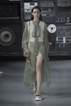 MM6 Maison Margiela Ready To Wear Spring Summer 2016 London - NOWFASHION