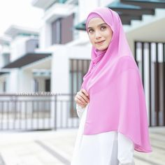 Photoshoot for @munyra_apparel Model by @adielaridzuan Photographer by @Najarhusshakir Any product photoshoot direct whatsapp to 012-6689596 #photoshoot #muslimah #fashion #photography #butik #malaysia #hijabstyle #muslimahdress # #hijabfashion #hijab #makeup #mua #model #womensfashion #ootd #butikonline #jubah #tudung #hijabfesyen #muslimahwear #muslimahmodel #singapore #indonesia #brunei