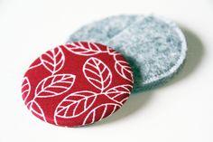 Taschenspiegel + Filzhülle - Blätter & Blüten Rot von AKD made for you auf DaWanda.com
