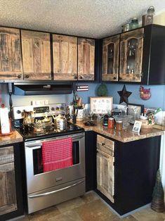 Diy kitchen cabinets using old pallets Pallet Kitchen Cabinets, Kitchen Wall Units, Kitchen Walls, Kitchen Tile, Cabinet Furniture, Kitchen Furniture, Kitchen Decor, Furniture Update, Wood Furniture
