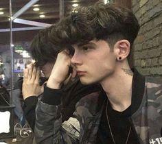 for guys İCON Beautiful Boys, Pretty Boys, Mode Streetwear, Tumblr Boys, Grunge Hair, Boy Hairstyles, Haircuts For Men, Hot Boys, Handsome Boys