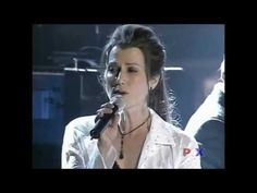 """Michael W Smith featuring Amy Grant, """"Friends"""" (live at the 34th Annual Dove Awards, 2003)"""