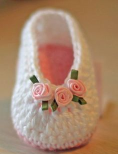 Knitted crochet ballet flats for the youngest fashionistas