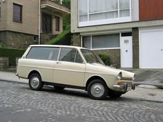 Dutch automotive heritage: DAF 55 Hatchback,it is a 33 and a computer fake