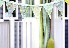 Fröhliche WimpelketteGanz toll für Kindergeburtstage und Gartenpartys im Sommer, aber auch als Dekoration in der Wohnung sehr hübsch: Die bunte Wimpelkette...