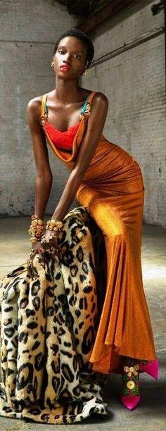 Glamorous Evening Gowns, Autumn In New York, Steven Meisel, Atelier Versace, Runway Fashion, Women Wear, Sari, Glamour, Street Style