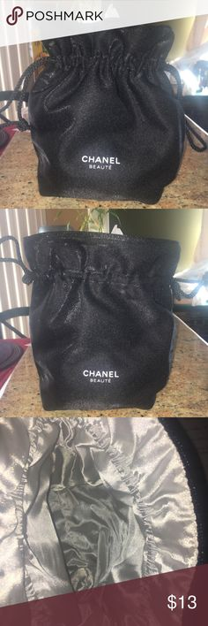 25fd6e7aa9182d Shop Women's CHANEL Black size OS Other at a discounted price at Poshmark.  Description: Perfect for storing your make up and any other personal items  for ...