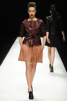 Kamishima Chinami Fall 2013 Ready-to-Wear Collection Slideshow on Style.com