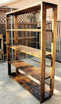 DIY Reclaimed Pallet Bookshelf / Bookcase - Wood Bookcases - Ideas of Wood Bookcases - DIY Reclaimed Pallet Bookshelf / Bookcase Wooden Pallet Projects, Wooden Pallet Furniture, Wooden Pallets, Pallet Ideas, 1001 Pallets, Pallet Wood, Pallet Benches, Pallet Tables, Outdoor Pallet