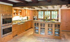 Shaker Kitchen Cabinets #13 (Crown-Point.com, Kitchen-Design-Ideas.org)
