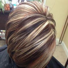 Color – hair, hair - All For Hair Color Balayage Short Hair With Layers, Short Hair Cuts, Short Hair Styles, Layered Short Hair, Funky Short Hair, Short Pixie, Brown Hair With Blonde Highlights, Hair Color Highlights, Chunky Highlights