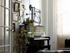 Great piano nook arrangment, esp.  the pictures.