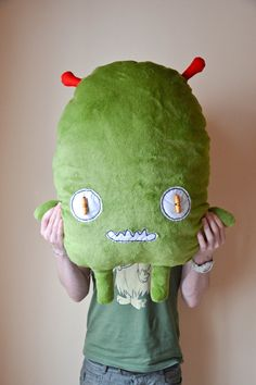 Green Martian plushie soft toy. Marciano verde de by MOLAPILA, €50.00