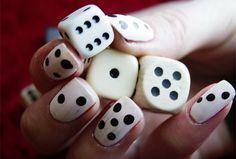 Hot-of-not-dobbelsteen-nail-art.jpg (592×400)
