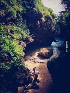 Passage to a hidden beach, bali
