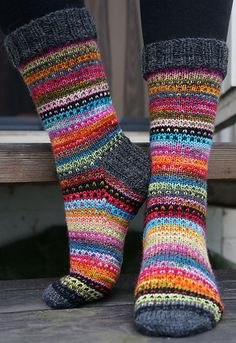 Knitting Patterns Mittens Ravelry: JennyF's Music to my eyes Crochet Socks, Knitting Socks, Hand Knitting, Knit Crochet, Knitted Socks Free Pattern, Ravelry, Striped Stockings, Patterned Socks, Striped Socks