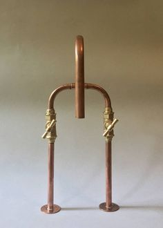 For discounts and campaigns, please visit www.switchrange.com Its made of 15x1mm copper pipe and bronze fittings carefully welded with tin and perfectly sealed with tow. The stop valves are high quality forged brass. As an option you can add a swivel spout for shower water jet. Tested and fully functional. Suited for kitchen or bathroom. Width: 200mm Depth: 280mm Height: 380mm Pipe Diameter: 15mm Dimensions for Fitting: 150mm inlet centers Pack Weight: 2.5kg