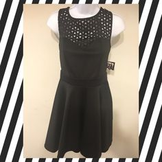 ❤️LBD, size 7 NWT ❤️ Little black dress, size 7, New with tags, sleeveless, open back Trixxi Dresses Backless