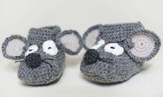 Mäuschen-piep-einmal - Gehäkelt Babyschuhe in Grau von Mausepelzchen kreativ auf DaWanda.com