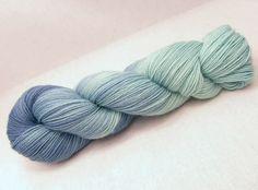 Sockenwolle Merino *Verabredung* von Farbwechsel - handgefärbte Wolle auf DaWanda.com