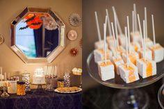 Mesa de doces de Halloween.