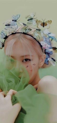 Blackpink Video, Foto E Video, Kim Jennie, Lisa Park, Blackpink Photos, Pictures, Instagram Roses, Rose Icon, Black Pink Kpop
