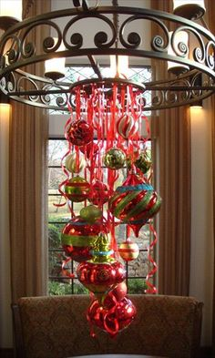 A Christmas Chandelier of ribbons and ornaments--Use curling ribbon to attach the Christmas ornaments at different lengths and then add in more curled ribbon Noel Christmas, Christmas Projects, Winter Christmas, Holiday Crafts, Christmas Ornaments, Hanging Ornaments, Easy Ornaments, Silver Ornaments, Christmas Porch