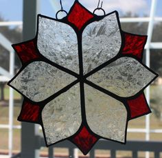 Frosted Lace and Red Suncatcher Stained Glass Ornaments, Making Stained Glass, Stained Glass Christmas, Stained Glass Suncatchers, Stained Glass Projects, Stained Glass Art, Glass Christmas Ornaments, Stained Glass Windows, Christmas Decorations
