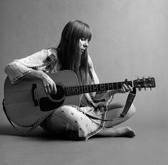 Joni Mitchell photographed by Jack Robinson, 1968