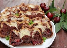 Chec pufos cu cirese si ciocolata Banana Bread, French Toast, Good Food, Cooking, Breakfast, Desserts, Table, Recipes, Fruits And Veggies