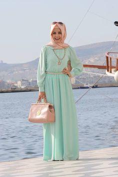 Maxi Style- 20 Cute Ways To Wear With Maxi Dress a hijab with style - Hijab Hijab Fashion 2017, Modern Hijab Fashion, Muslim Women Fashion, Islamic Fashion, Fashion Outfits, Fashion Wear, Style Fashion, Fashion Trends, Hijab Dress